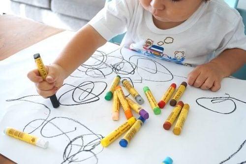 Een kindertekening: fases en ontwikkeling