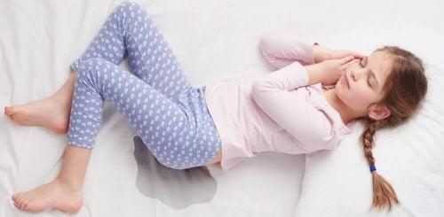 Meisje ligt te slapen