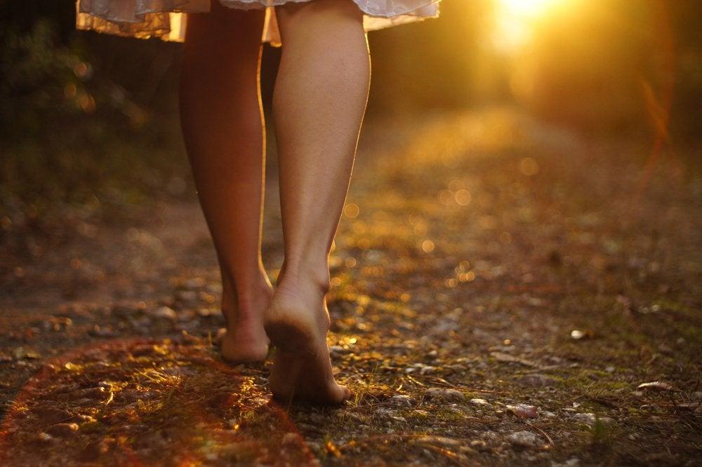Vrouw op blote voeten