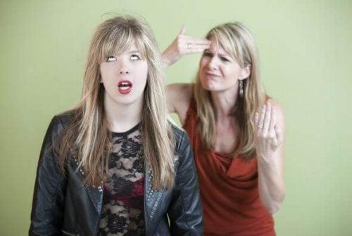 Tiener met haar moeder
