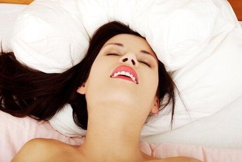 Vijf voordelen van vrouwelijke masturbatie
