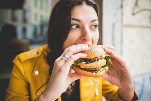 Te veel vet eten is slecht voor de gezondheid