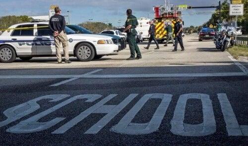 Het profiel van moordenaars in schietincidenten op scholen
