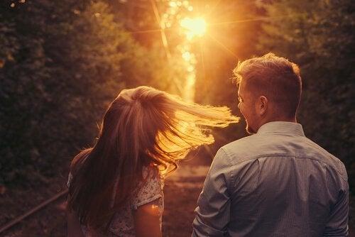 Plotseling kwam jij voorbij: halsoverkop verliefd worden