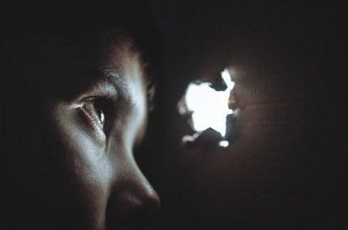 Hersenspoeling: dwingende overredingstechnieken