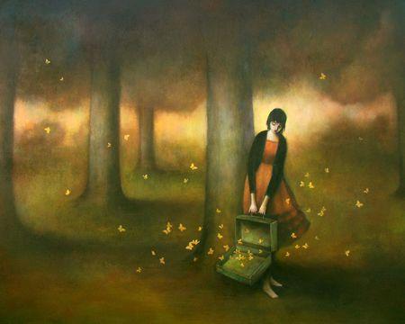 Meisje met een koffer vol vlinders