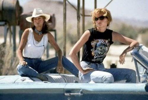 Twee vrouwen onderweg