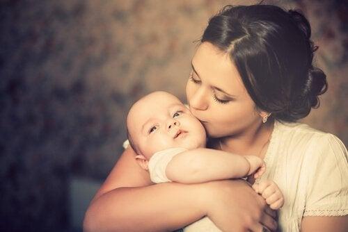De uitdaging van het moederschap: hoe pak je het aan?