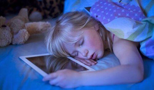 Het verband tussen technologie en slapeloosheid