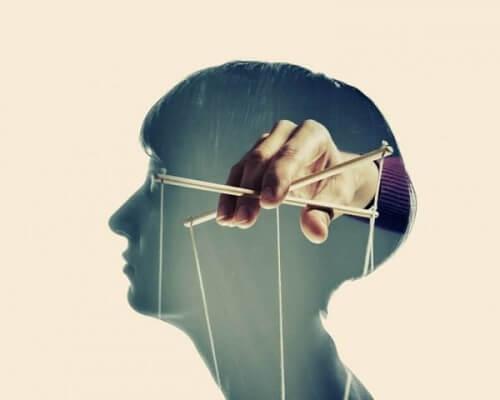 Anderen manipuleren