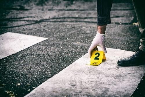 Wat is de oorzaak van georganiseerde misdaad?