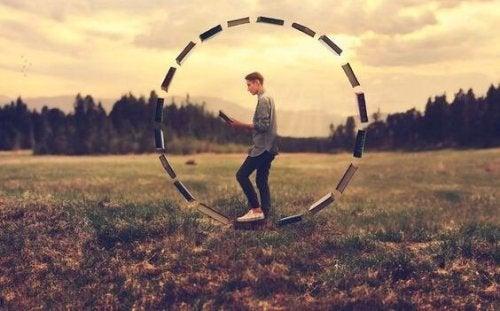 Iemand in een cirkel