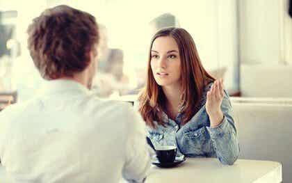 Luisteren zonder empathie: niet emotioneel verbonden