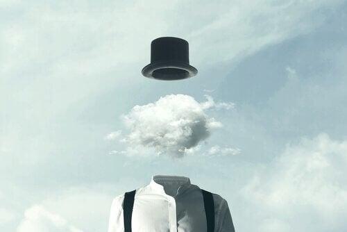 Hoed met wolk
