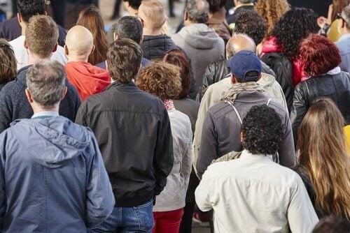 Mensen in een menigte