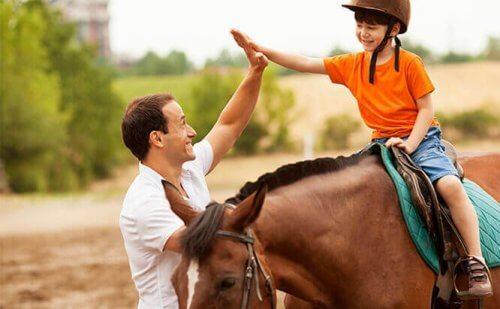 Zes voordelen van paardentherapie