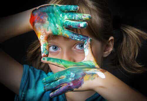 Kunsttherapie voor kinderen: vijf oefeningen
