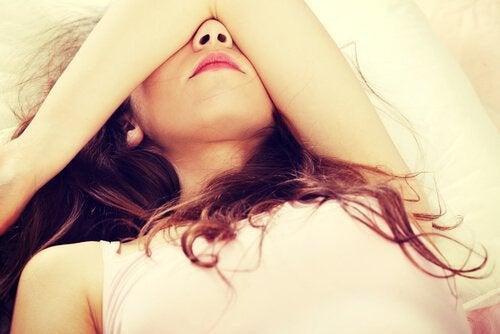 Schrap deze vier gewoonten die jouw slaap aantasten