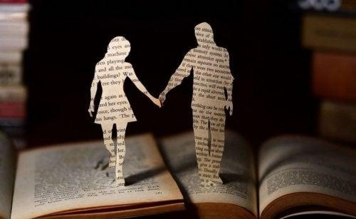 Mensen uitgeknipt uit een boek