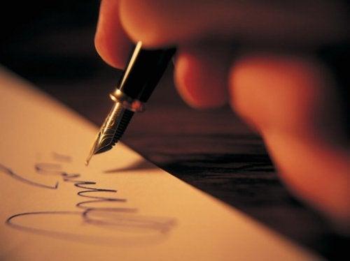 Schrijven is een van de vormen van kunsstherapie