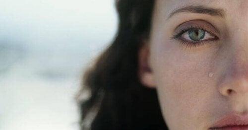Close up van een huilende vrouw