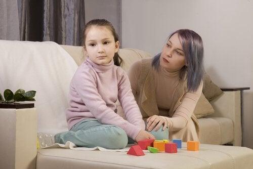 Moeder met haar autistische dochter