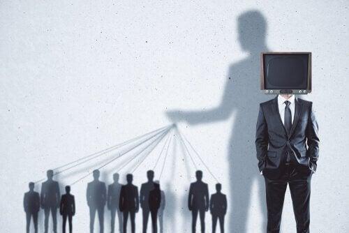 Hoe de massa gemanipuleerd wordt door de media