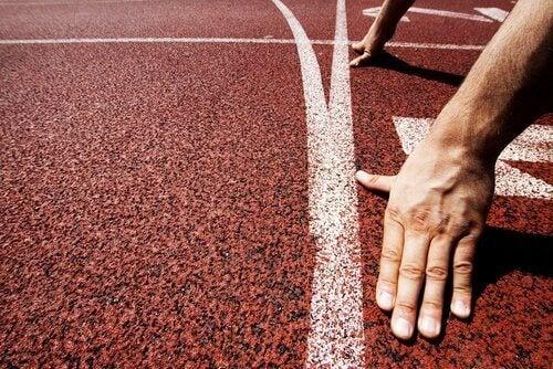 Man staat op het punt te gaan rennen