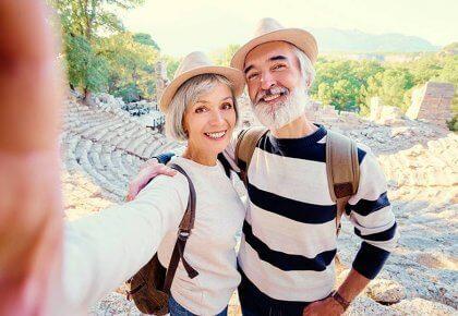Mensen van middelbare leeftijd zijn het gelukkigst