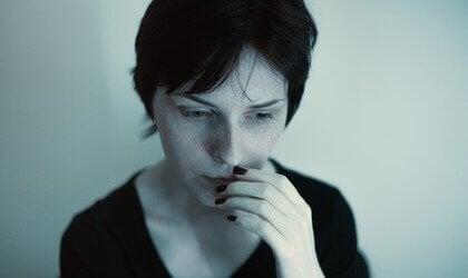 Bezorgde vrouw