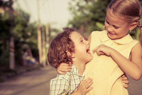 De relatie tussen broers en zussen: enkele feiten