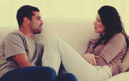 De communicatie in je relatie verbeteren: vijf tips