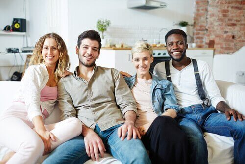 niet-monogamie op een bank