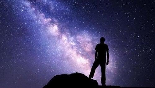 Revolutionair genie aanschouwt het universum