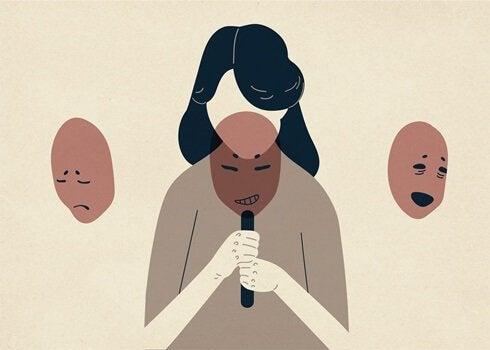 Vrouw met drie maskers