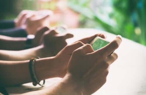 Digitale detox: in verbinding komen met de echte wereld