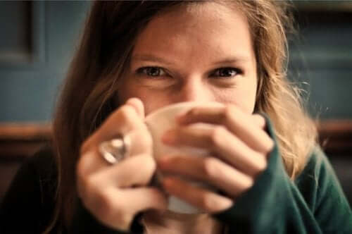 Geniet van een lekker kopje warme thee