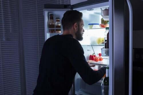 Het nachtelijk eetsyndroom: symptomen en behandeling