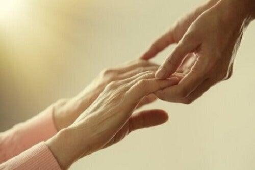 Oudere mensen op zoek naar genegenheid