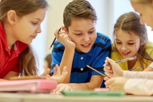 Kinderen aan het studeren