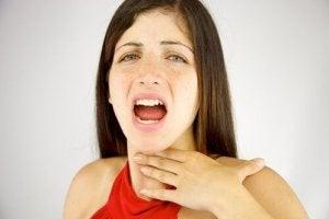Vrouw die niet kan praten