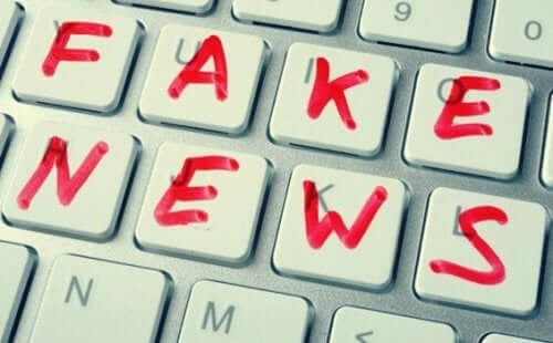 Noam Chomsky over fake nieuws en post-truth