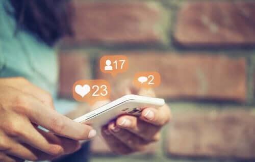 Likes en reacties krijgen op een sociale mediabericht