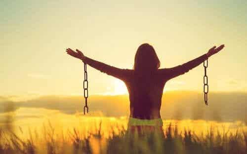 Negatieve emoties accepteren: maakt het je gelukkiger?