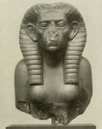 de eerste koningin van Egypte