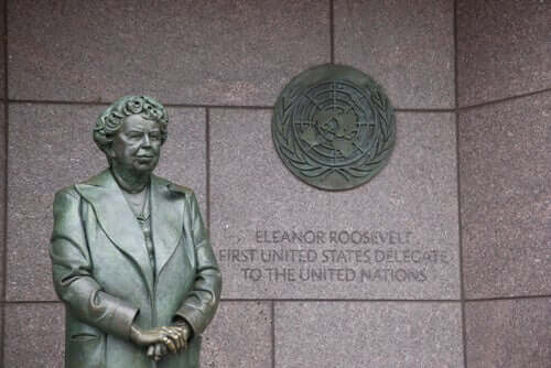 Een standbeeld van Eleanor Roosevelt