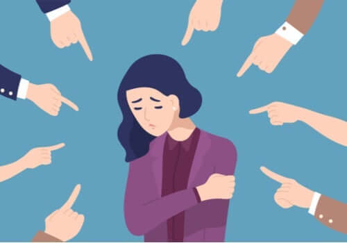 Veel vingers wijzen naar een persoon