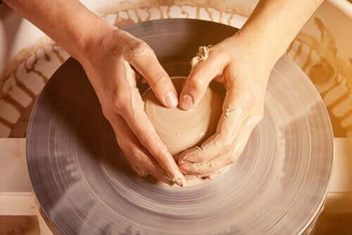 Met je handen werken is goed voor de hersenen