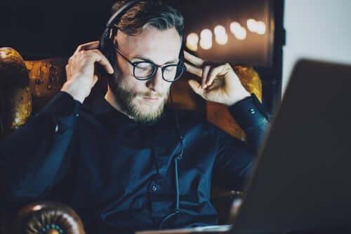 Luister muziek om je emoties te beheersen