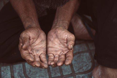 Twee handen in bedelende positie